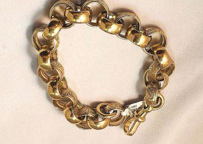 9 Ct gold belcher bracelet